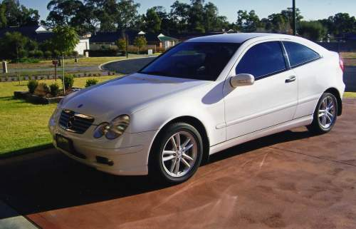 2002 used mercedes c180 kompressor sports coupe coupe car sales gulgong nsw as new 34 500. Black Bedroom Furniture Sets. Home Design Ideas