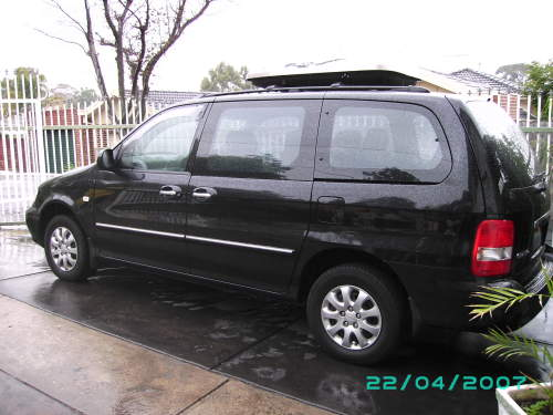 2004 used kia carnival ls people mover car sales preston vic as new 24 000. Black Bedroom Furniture Sets. Home Design Ideas