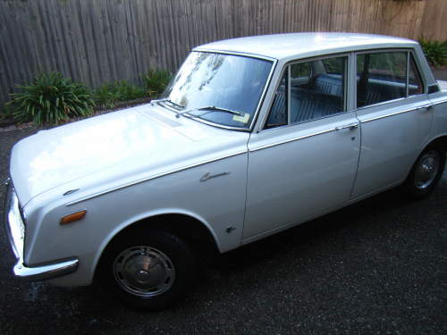 1969 used toyota corona rt40 sedan car sales normanhurst nsw excellent 5 000. Black Bedroom Furniture Sets. Home Design Ideas