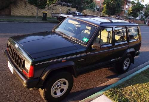 1994 used jeep cherokee cherokee sport 4x4 wagon car sales gladstone qld good 5 300. Black Bedroom Furniture Sets. Home Design Ideas