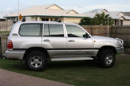 1998 used toyota landcruiser 100 wagon car sales bohle plains qld very good 17 500. Black Bedroom Furniture Sets. Home Design Ideas