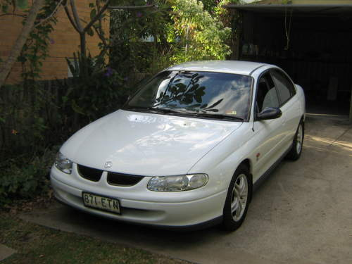 1998 used holden commodore executive vt sedan car sales main beach qld excellent 7 500. Black Bedroom Furniture Sets. Home Design Ideas