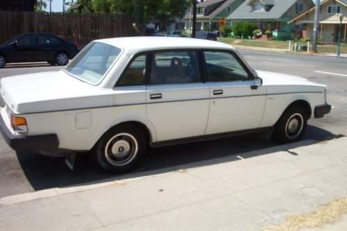 1983 Used VOLVO 240 SEDAN Car Sales san go ACT Very Good $850